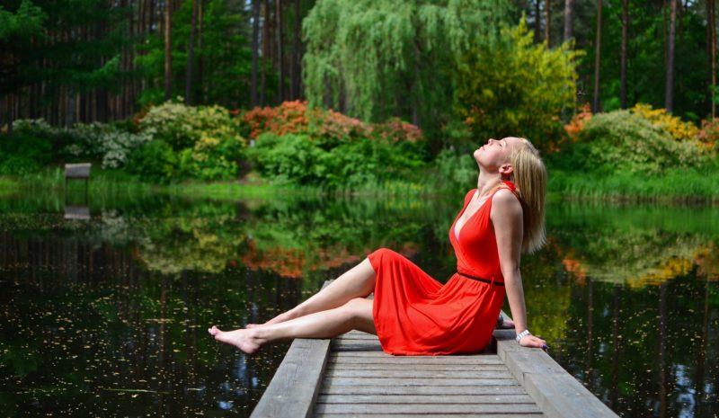 Vermelho 'femme fatale' é a cor da estação mais fria do ano