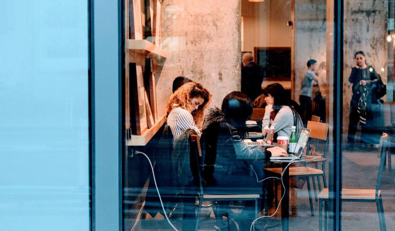 Compartilhamento de espaço de trabalho conecta pessoas e experiências