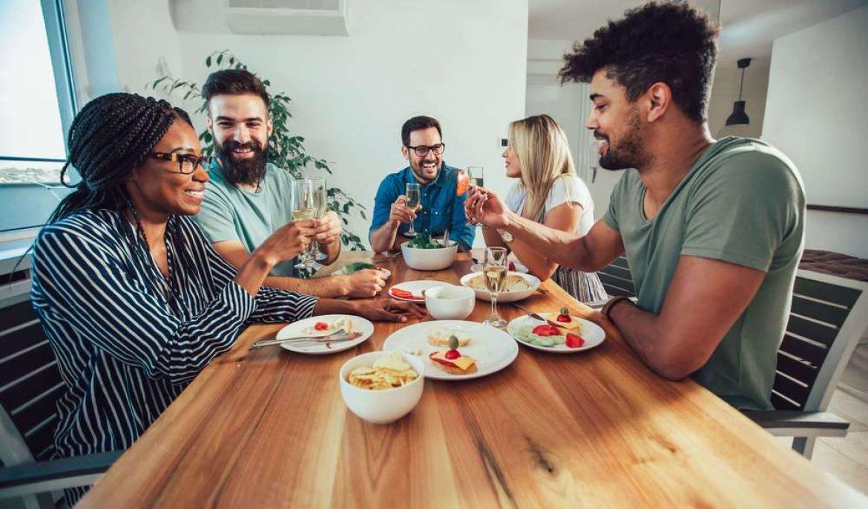 Como receber amigos em casa com muito conforto e elegância?
