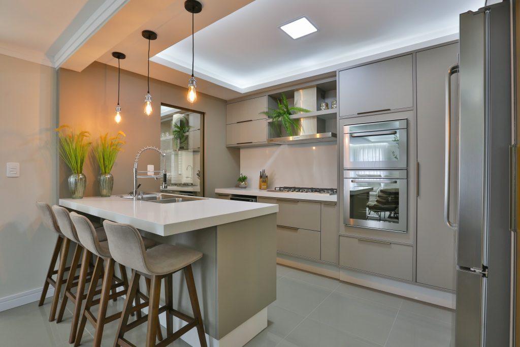 cozinha planejada móveis planejados x modulados