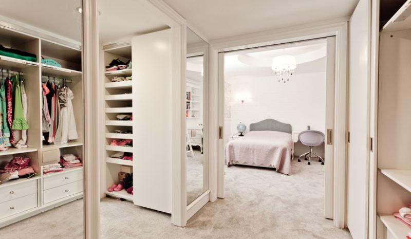 5 dicas para acertar na decoração do seu quarto com closet