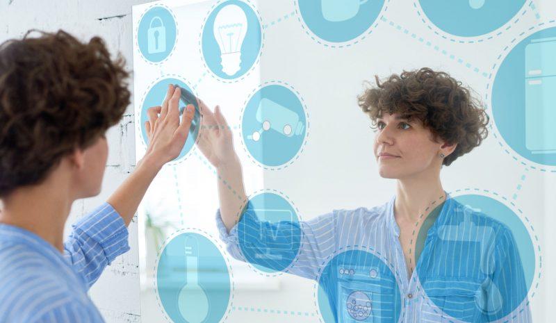 Espelho inteligente: conheça essa nova tendência do mercado