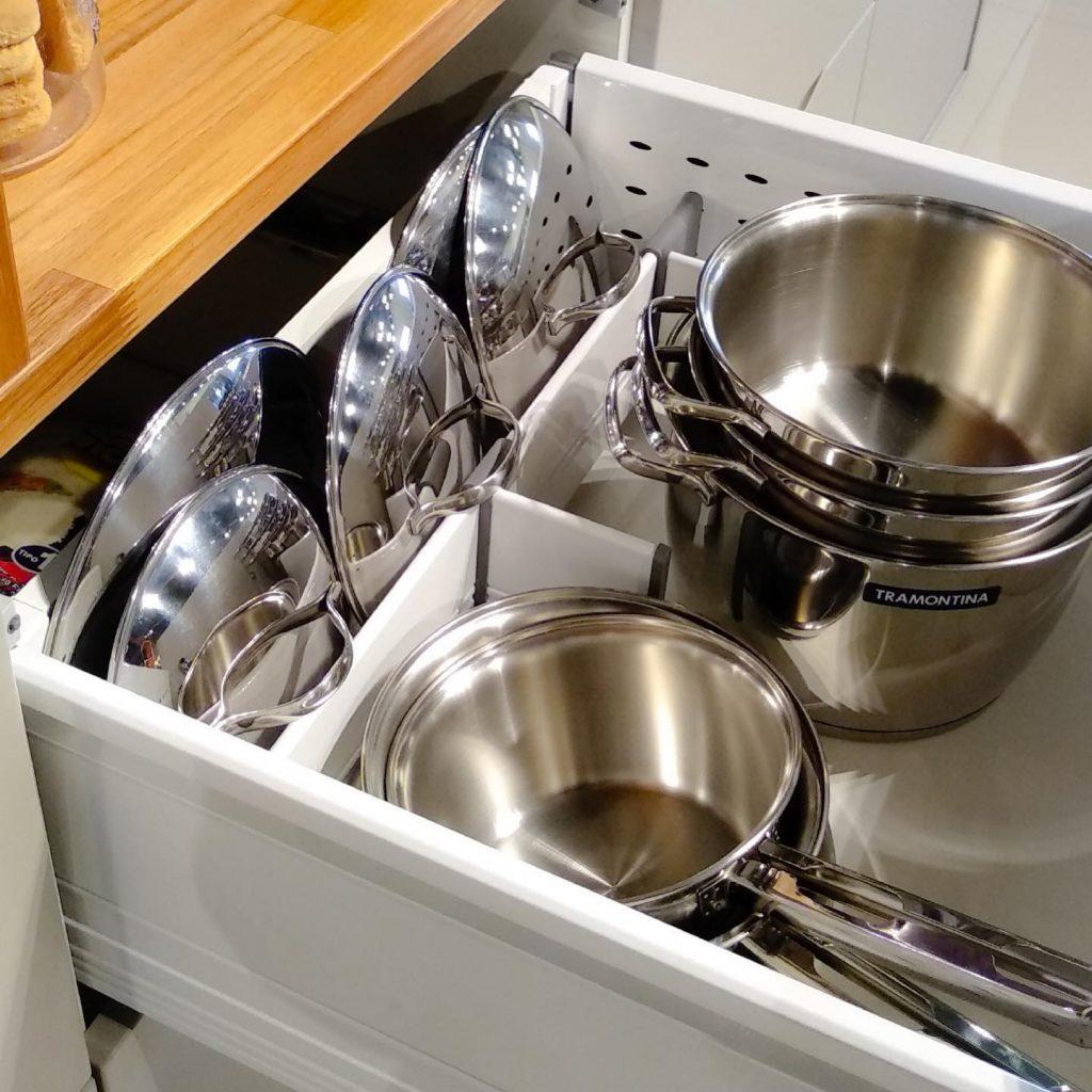 organização armários de cozinha