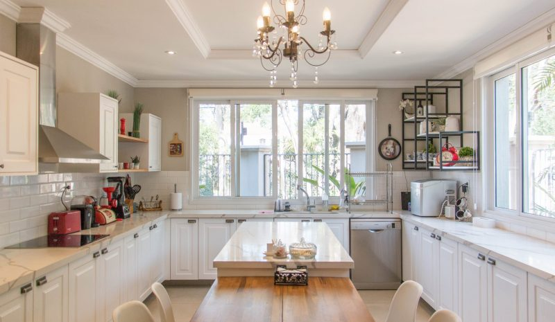 4 benefícios dos armários planejados para a sua cozinha