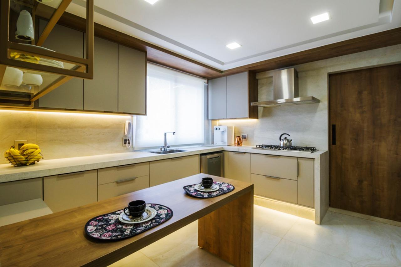 cozinha madeira e bege