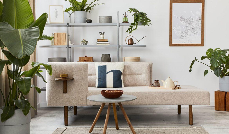 Confira 3 dicas essenciais para decorar a estante da sua casa