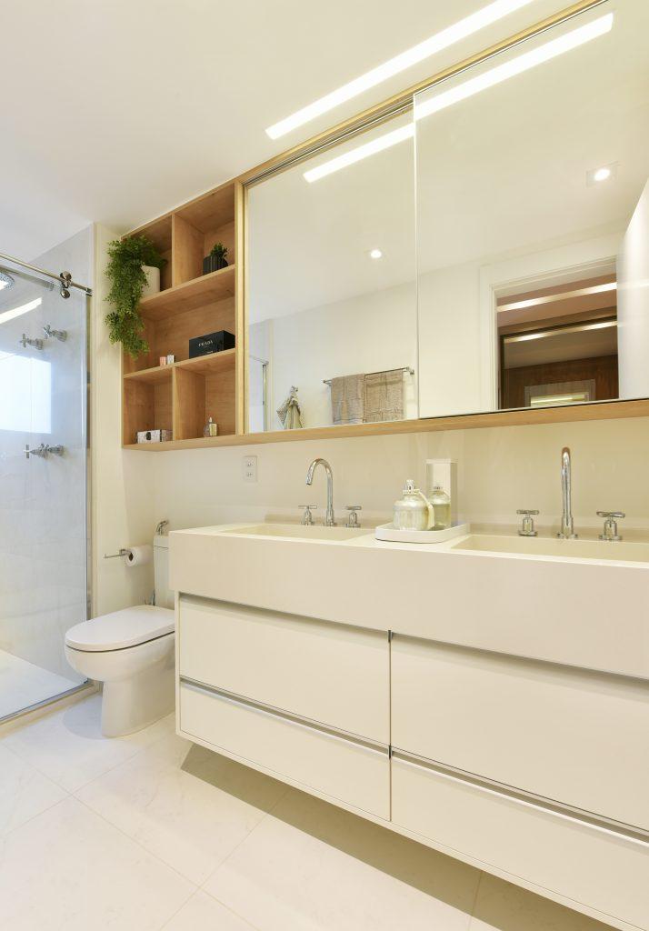 banheiro duplo armários planejados e personalizados