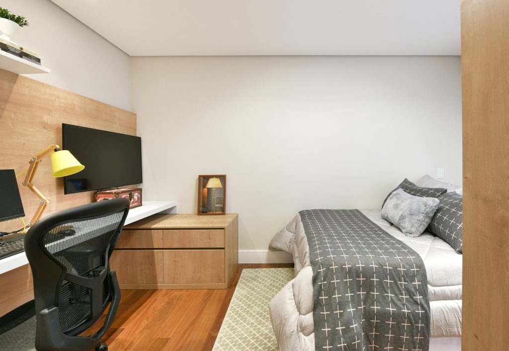 Quarto de Hóspedes Dormitório com home office