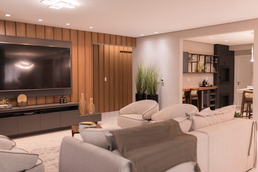 sala de estar LED com freijo ambientes integrados