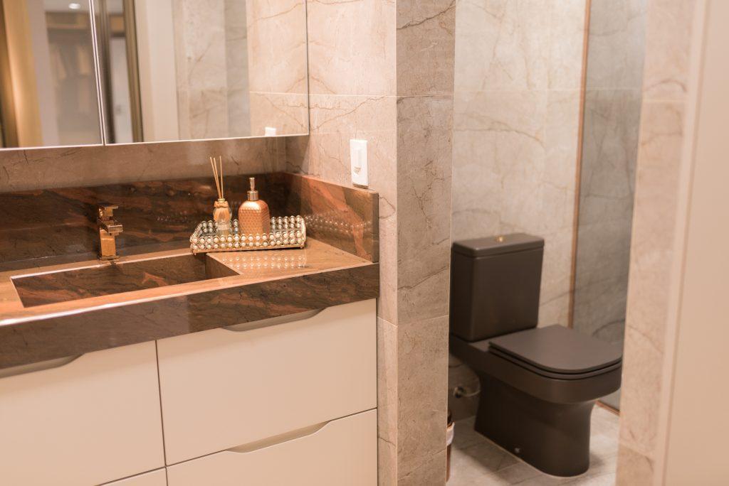 banheiro de casal planejado pequeno